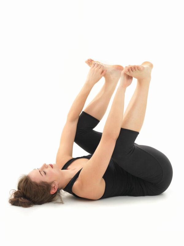 relaxation yoga posture PGHKVFW 1 不眠症にバイバイ!10分でできる安眠ヨガポーズ【7選】