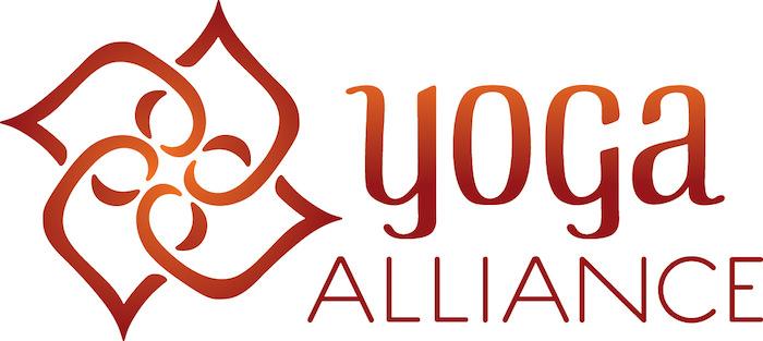 全米ヨガアライアンス logo